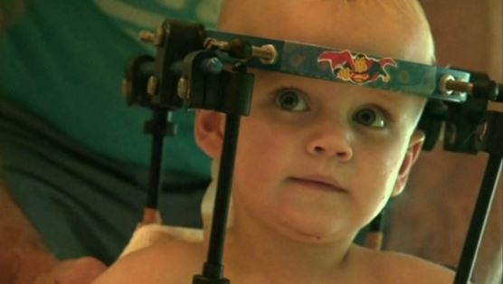 Bebé Jaxon Sobrevive a Decapitación Interna en Accidente Automovilístico