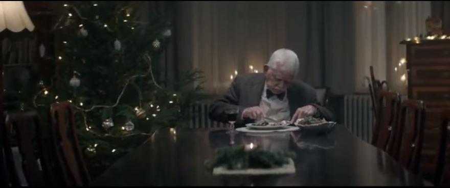 Comercial Anciano Navidad