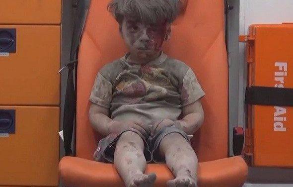 Omran, el nuevo rostro de la tragedia en Siria